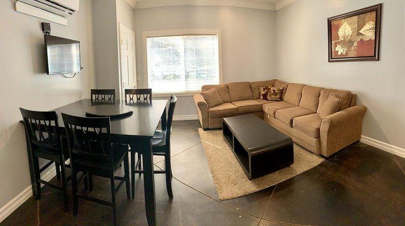 Watkins Glen 3-Bedroom Suites Unit 3, holiday rental in Elmira