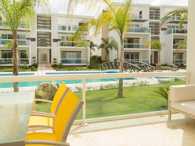 Tranquil Oasis, Pool, BBQ, Gym, Walk to Beach & Dining, vacation rental in Punta Cana