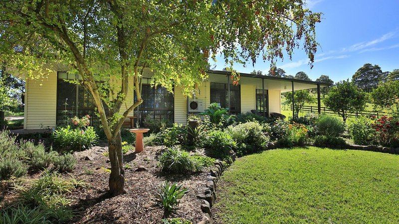 Orange Grove Park - Delightful Rural Cottage, holiday rental in Berry