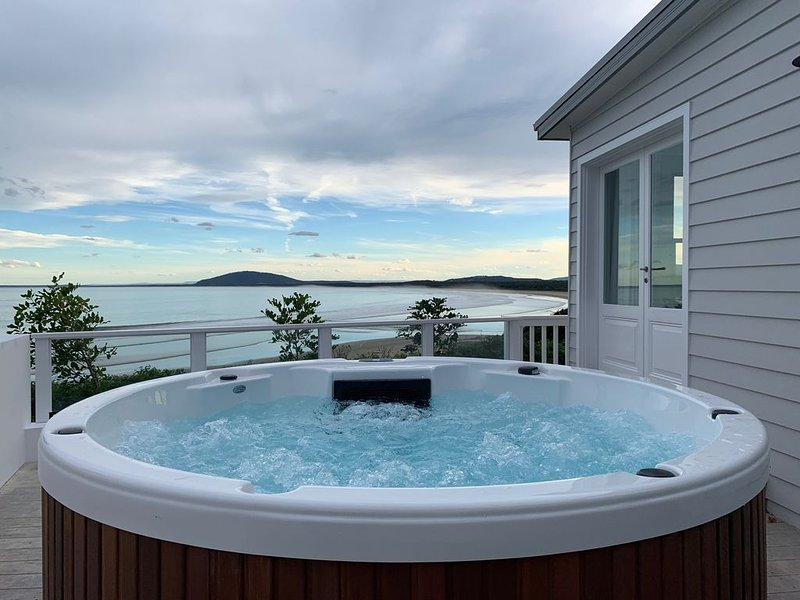 The South Coasts Ultimate Luxury Beachfront - NEW LISTING, holiday rental in Gerroa