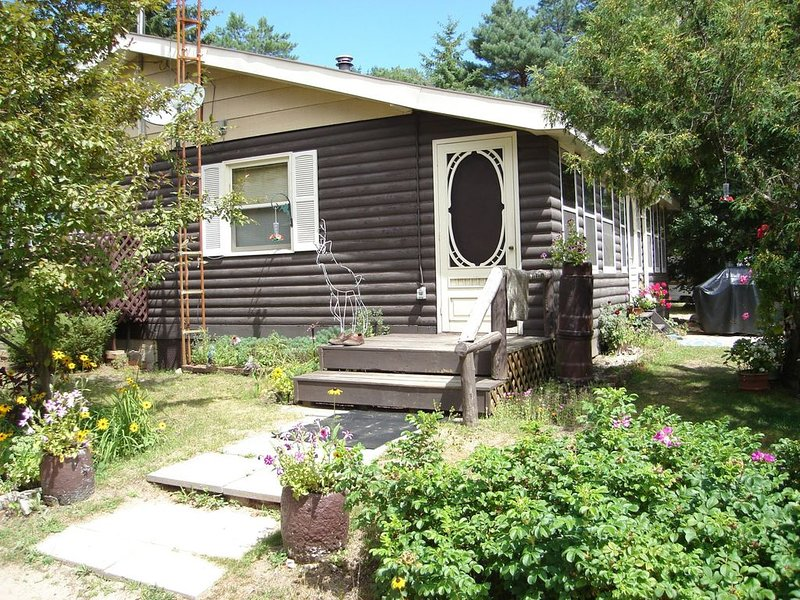 Cottage at Bon Echo Family Campground, holiday rental in Lennox and Addington County