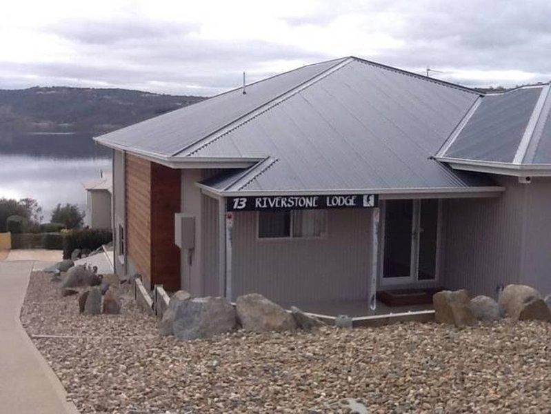 Riverstone Lodge Jindy, vacation rental in Jindabyne
