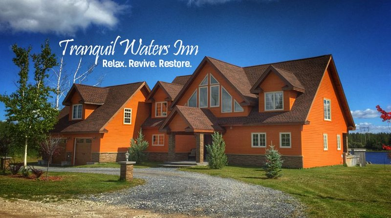 TRANQUIL WATERS INN HOLIDAY HOME. NEWFOUNDLAND AND LABRADOR. YOUR HOME AWAY FROM, holiday rental in Deer Lake