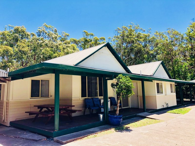 The Retreat Port Stephens - Duplexes, vacation rental in Salt Ash