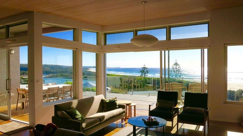 Architect Designed Beach House & the Best Views in Dalmeny !!, holiday rental in Dalmeny