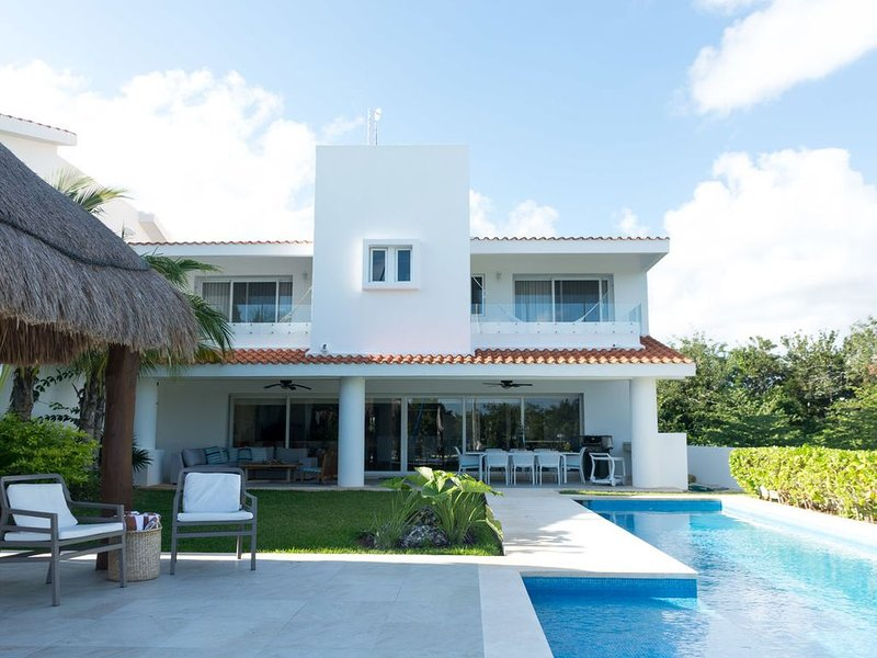 Lux 5BR fast wifi marina stay 30+night get 30%off, holiday rental in Solidaridad