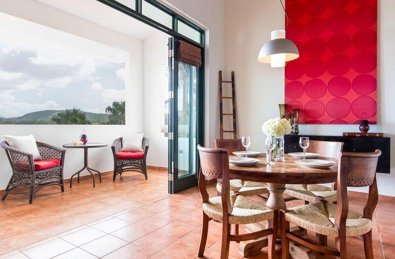 Sunshine Villa | Stunning Rainforest Views | Beach | Pool | Resort Community, holiday rental in El Yunque National Forest