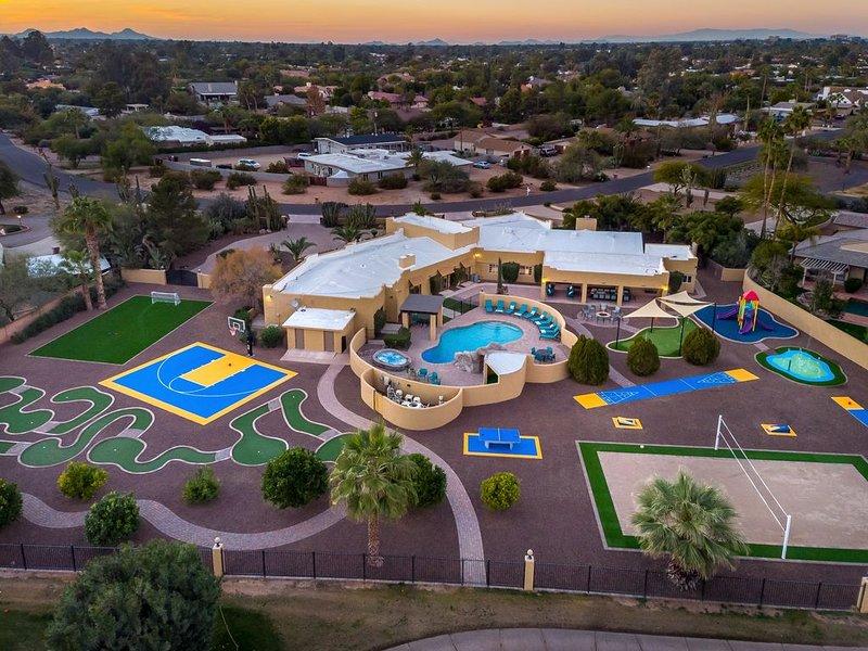 ******* NEW LUXURY 5 STAR CELEBRITY ESTATE *******, holiday rental in Scottsdale