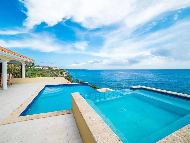 ❃Caribbean Dream❃ with Ocean View Infinity Pool, location de vacances à Sint Jozefsdal