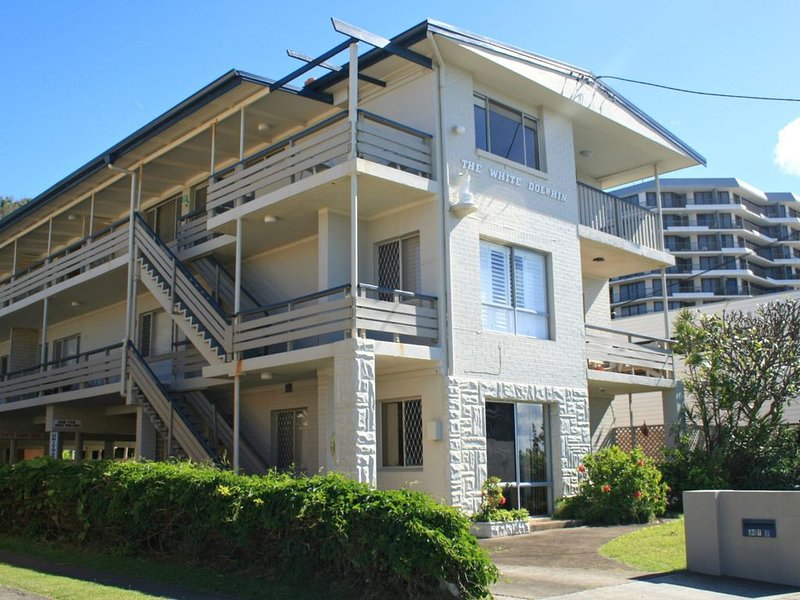 WHITE DOLPHIN, UNIT 5, vacation rental in Currumbin