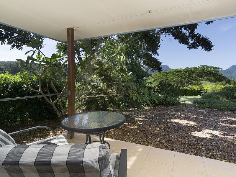 Hillcrest Mountain View Retreat, holiday rental in Mount Warning