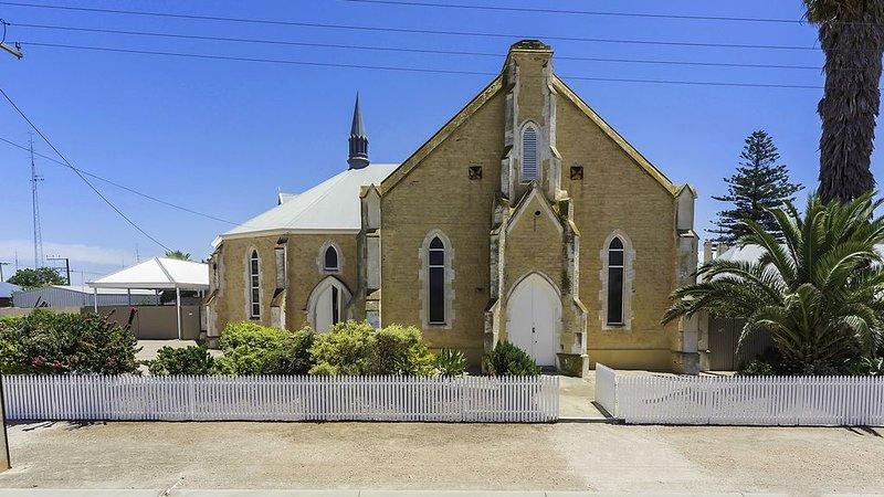 Wallaroo Church Holiday House, vacation rental in Port Moonta