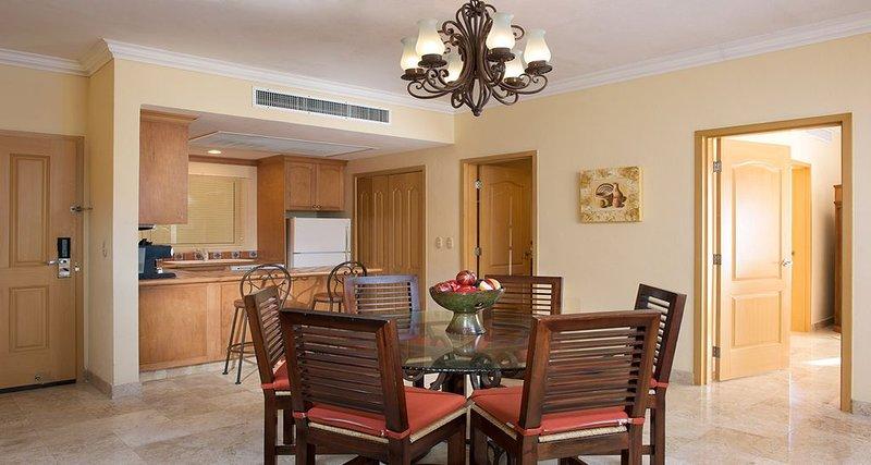 Beach hotel suite in Puerto Vallarta, holiday rental in Nuevo Vallarta