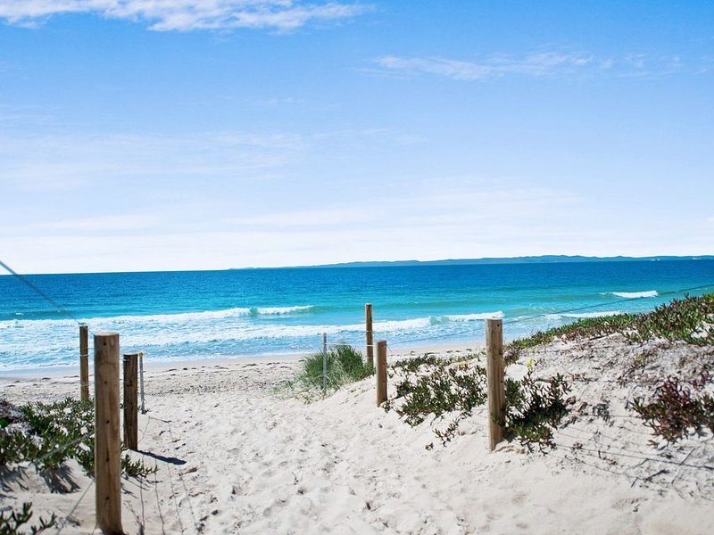 Walk to Surf Beach - Ground floor apartment - Bribie Horizons Boyd St, Woorim, alquiler de vacaciones en Woorim
