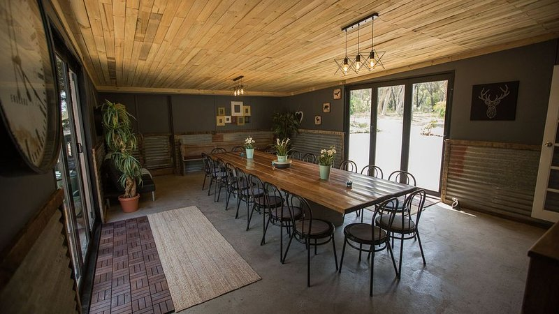 Scribbly Cottage group retreat, holiday rental in Bundanoon