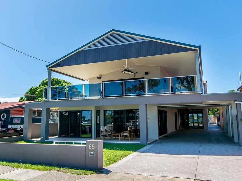 Magical holiday home -  Welsby Pde, Bongaree, holiday rental in Bongaree