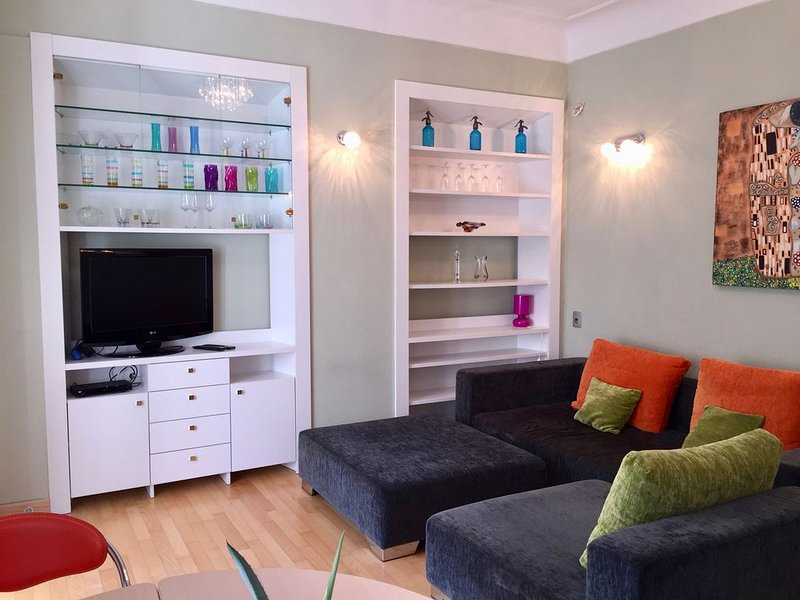 Charming Apartment in the Heart of City, Ferienwohnung in Ljubljana