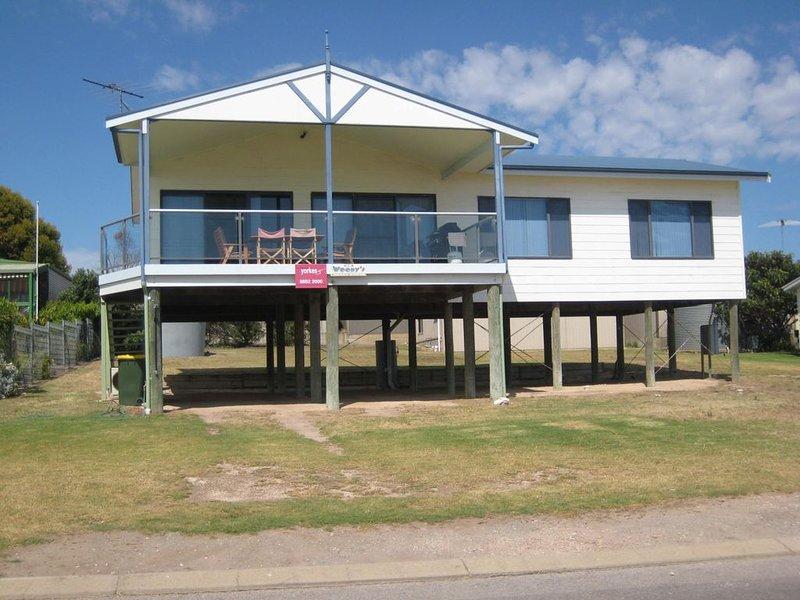 Woody's  Beach  House, holiday rental in Minlaton