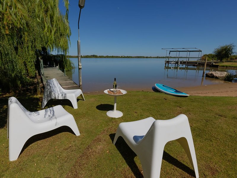 The Boat Shed - Tailem Bend, vacation rental in Wellington