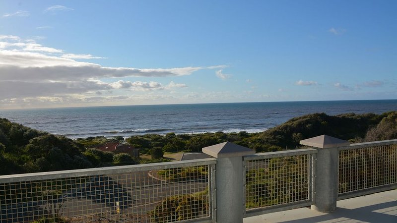 The Law's Rest Beachfront House, holiday rental in Bunbury