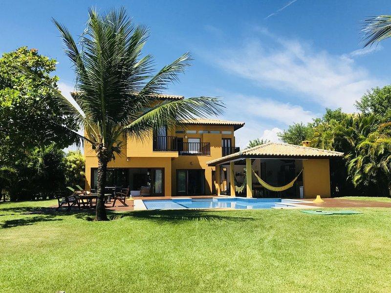 luxuosa casa c/ piscina, praia particular, muita natureza, Costa do Sauipe, aluguéis de temporada em Mata de São João