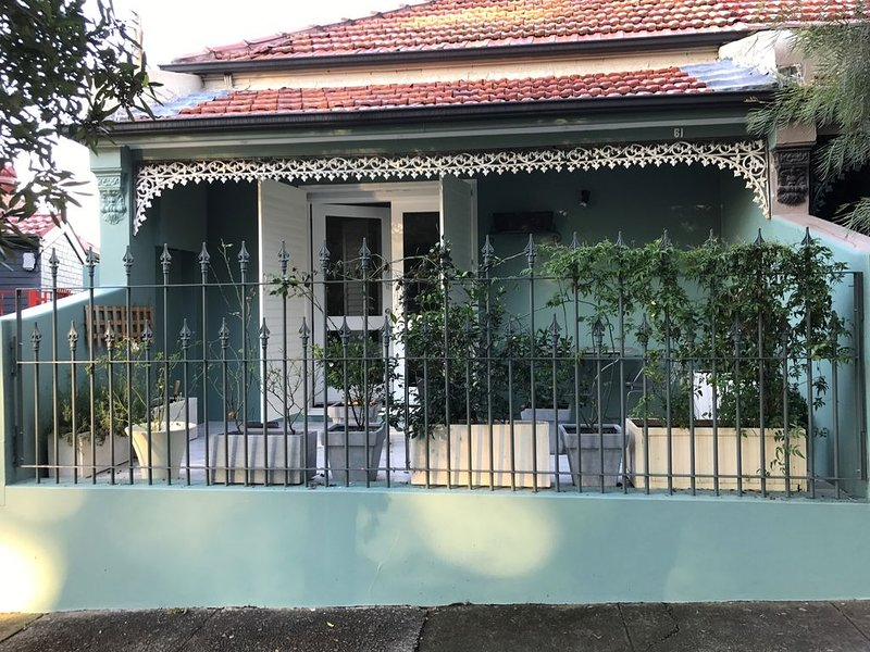Large house close to centre, holiday rental in Summer Hill