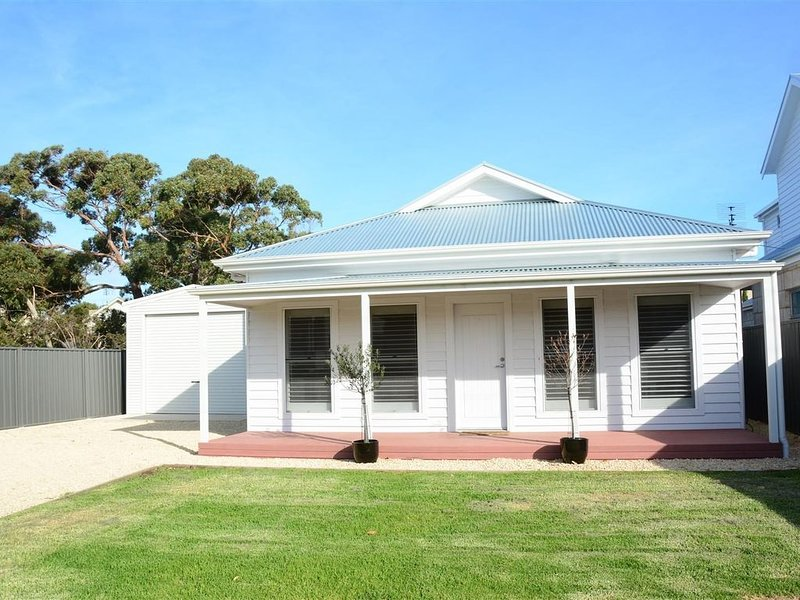 Bells on Frome- Stay 3 nights pay for 2 Over Winter, holiday rental in Robe