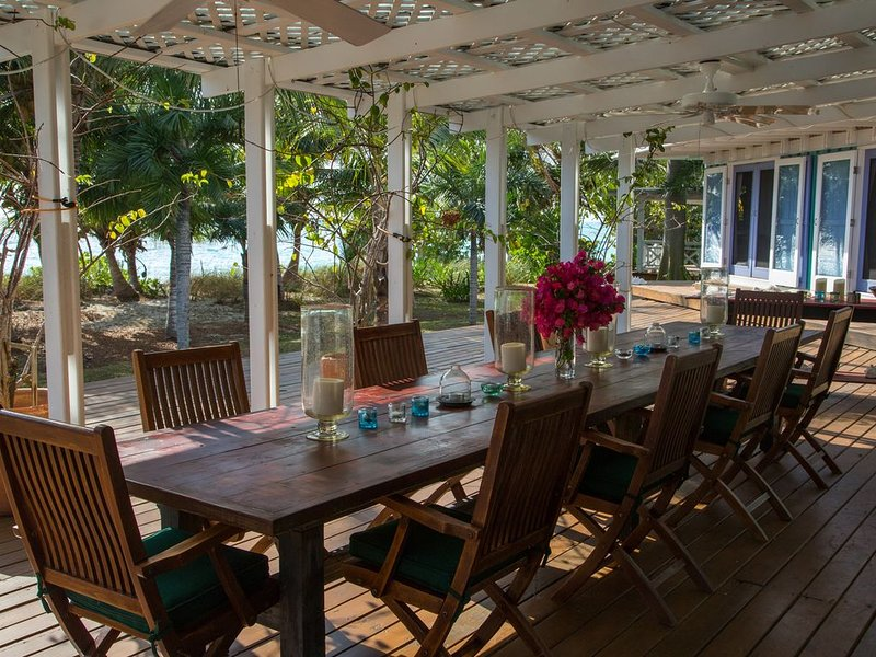 Coconut Cove at the beach, holiday rental in Cat Island