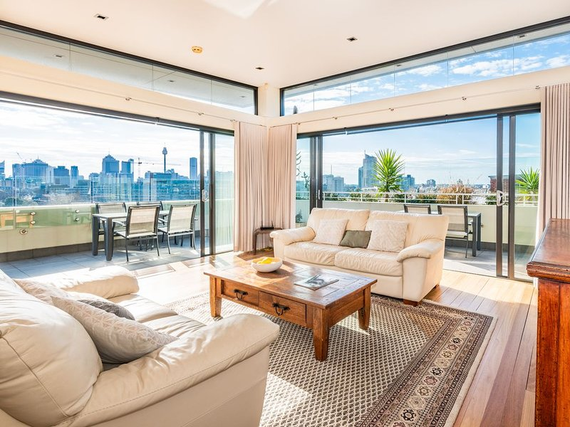 Situated in the fashionable hub of Paddington, holiday rental in Sydney