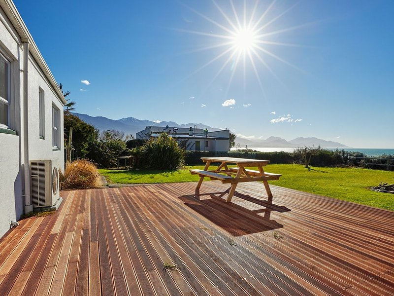 Adelphi Terrace- is a lovely art deco cottage, vacation rental in Kaikoura