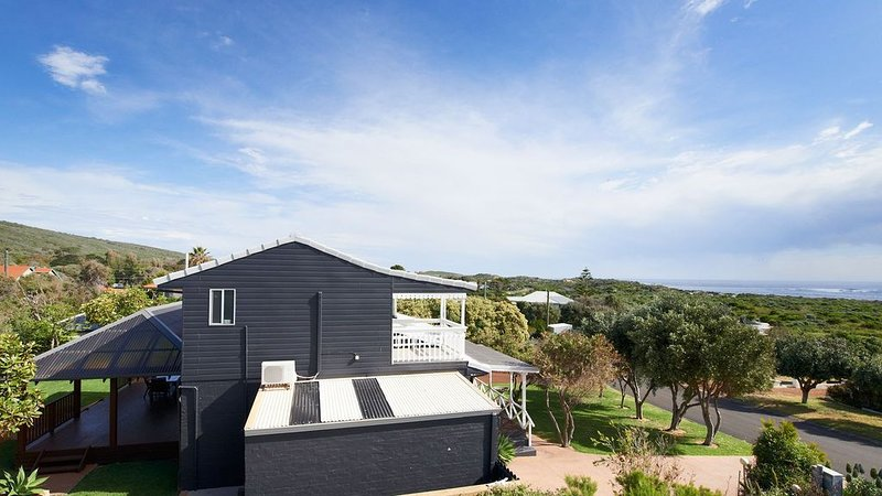 Seaview with views to the surf in our scenic Prevelly Park, holiday rental in Prevelly