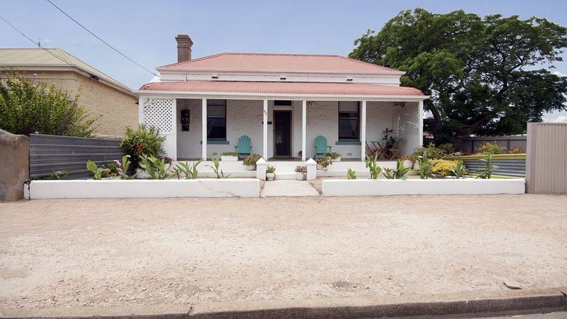 Maldon - the perfectly located beach town cottage, vacation rental in Wallaroo