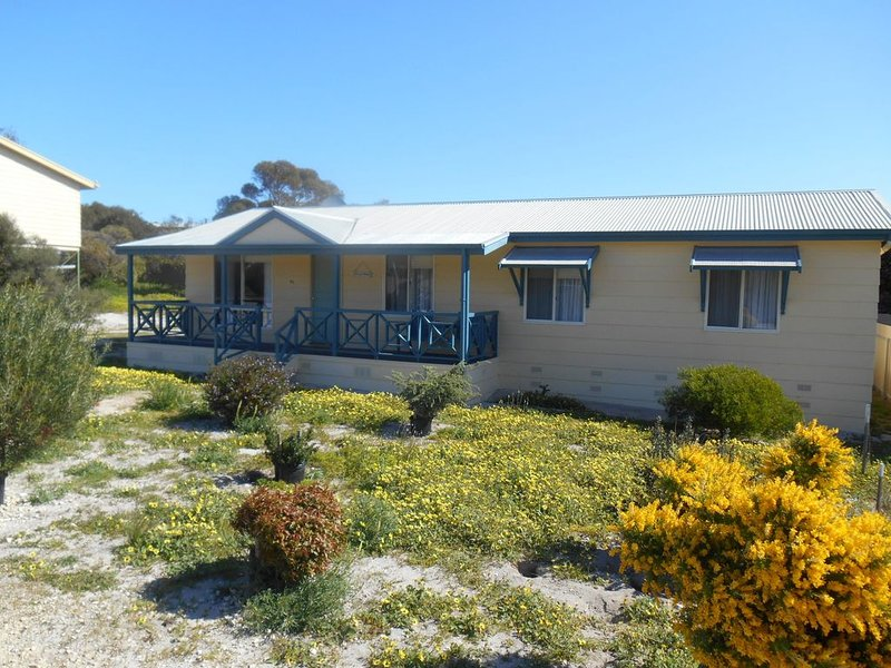 At the Beach - Marion Bay, holiday rental in Marion Bay