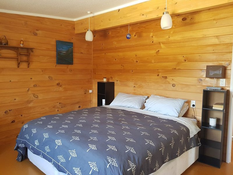 Peaceful open plan cottage in Orongo Bay, Russell., holiday rental in Rawhiti