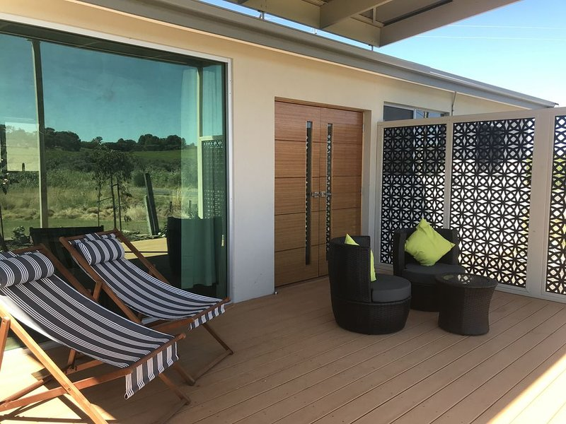 Grove and Vine B and B luxury accommodation - McLaren Vale, location de vacances à Maslin Beach