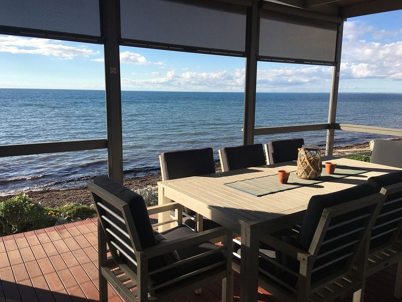 North Coast Views - Absolute Beach Front !, holiday rental in Minlaton