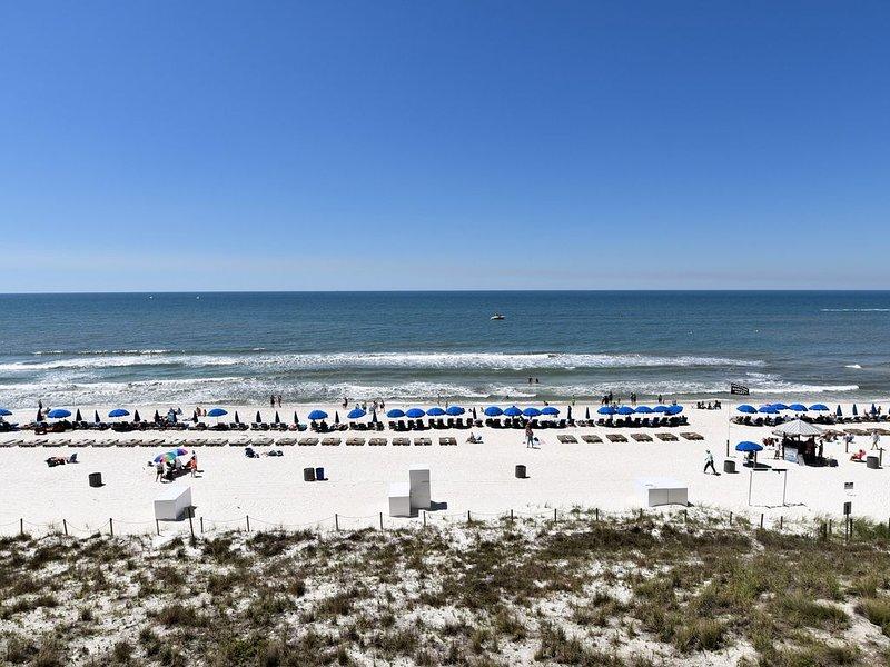 Gulf-Front 4th Floor Condo - AMAZING SUNSETS! Onsite Food. FREE Wi-Fi & Parking., alquiler de vacaciones en Panama City Beach
