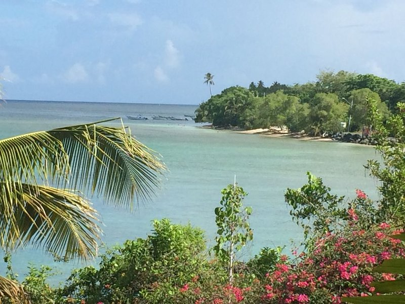 Beachfront property with pool access in gated community, vacation rental in Crown Point