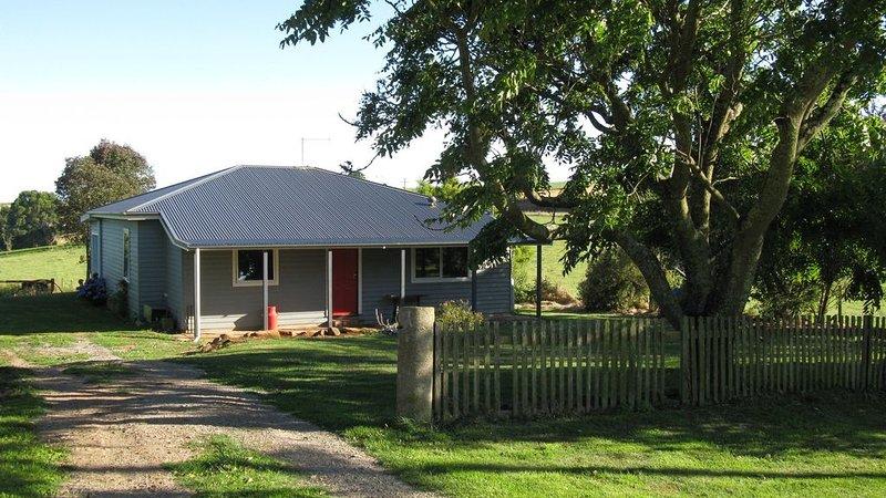 Mac's Cottage * Flowerdale, holiday rental in Wynyard