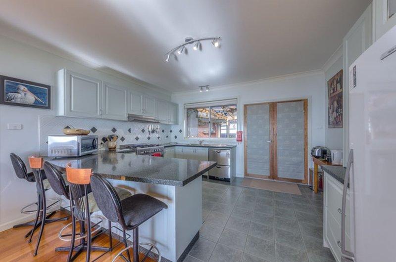 Baieview Holiday Rental, vacation rental in Werribee