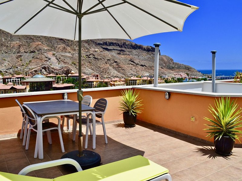 Modern apartment with Private roof terrace with seaview, vacation rental in Taurito