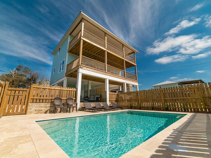 Beautiful Gulf Views w/Private Pool and Easy Beach Access. Shopping Nearby!, vacation rental in Cape San Blas