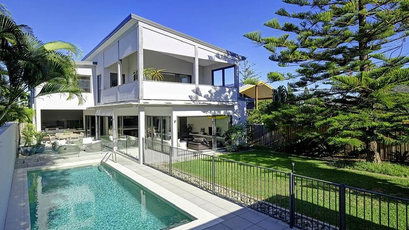 IDHLAMOYA | A home. A salt water pool. A sanctuary for adventure., holiday rental in Seal Rocks