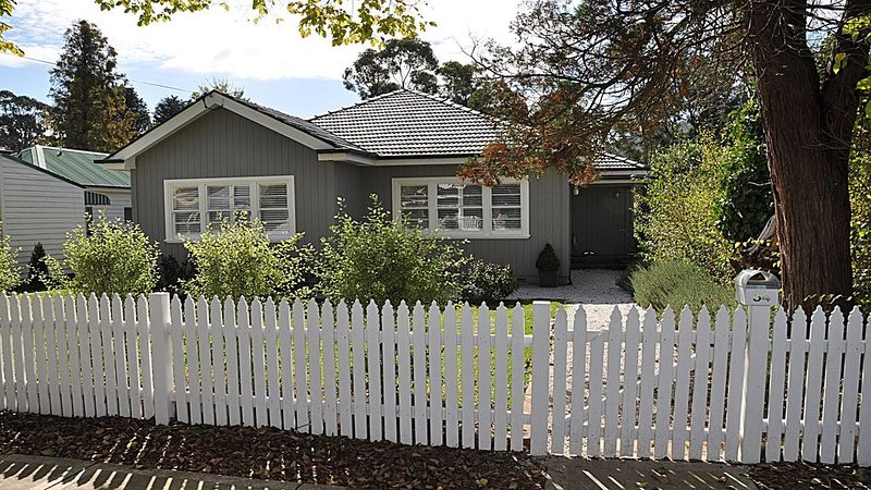 Woodbine Cottage - ' The Perfect Weekender ', holiday rental in Mittagong