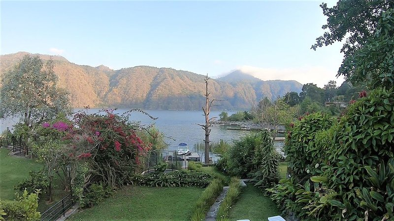 Small Atitlan Home AT022, location de vacances à Lake Atitlan
