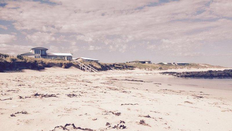 Wytonia Beachfront Studio 2, holiday rental in Port Fairy