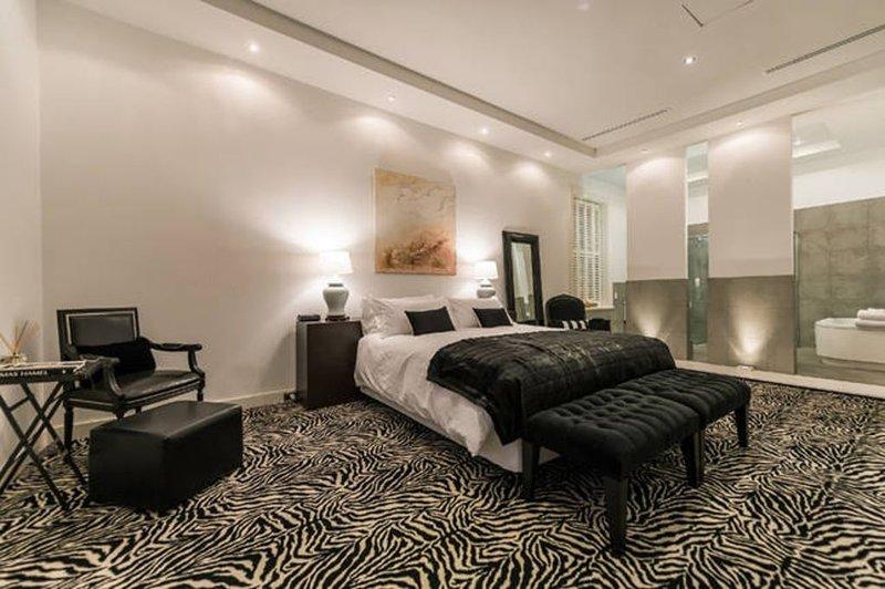 THE PAKENHAM - a grand historic Fremantle apartment, Ferienwohnung in Fremantle