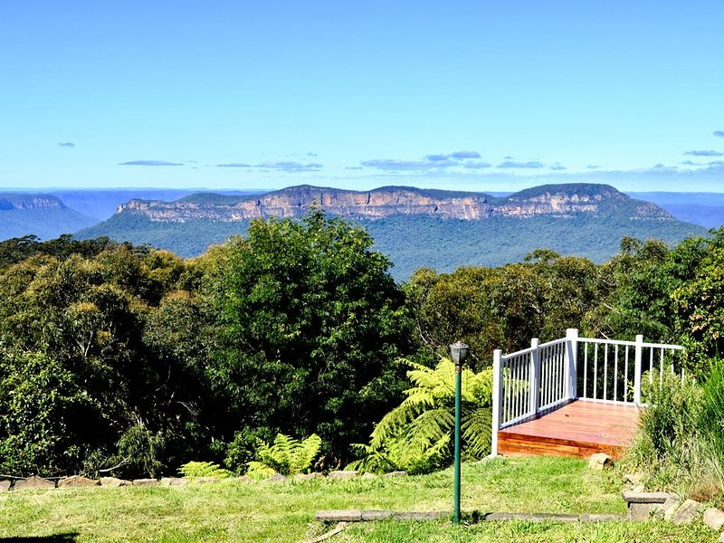 Mt Solitary House – Elite Views | Incredible Comfort, location de vacances à Katoomba