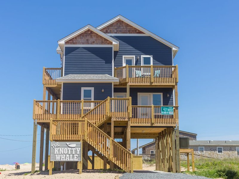 The Knotty Whale - Fresh 4 Bedroom Oceanside Home in Rodanthe, location de vacances à Rodanthe