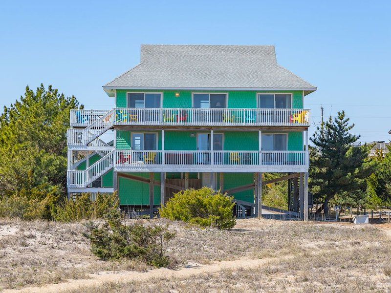 Anticipation - Welcoming 5 Bedroom Oceanfront Home in Salvo, casa vacanza a Rodanthe